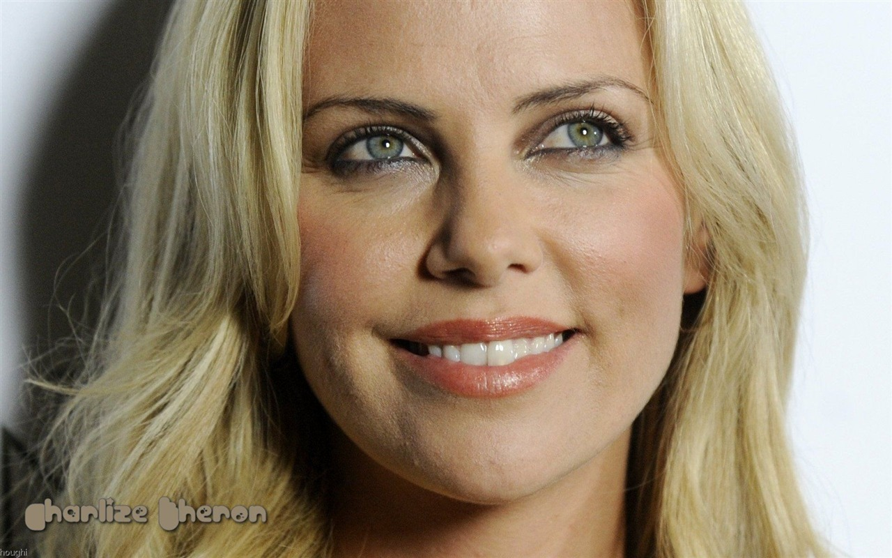 Charlize Theron 查理...