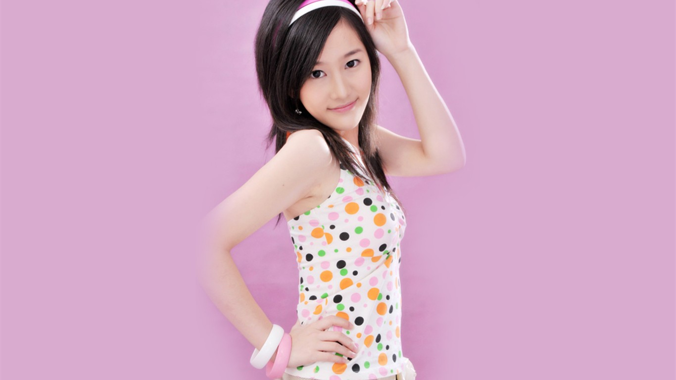 Liu Mei Containing Wallpaper Happy Girl 4  1366x768