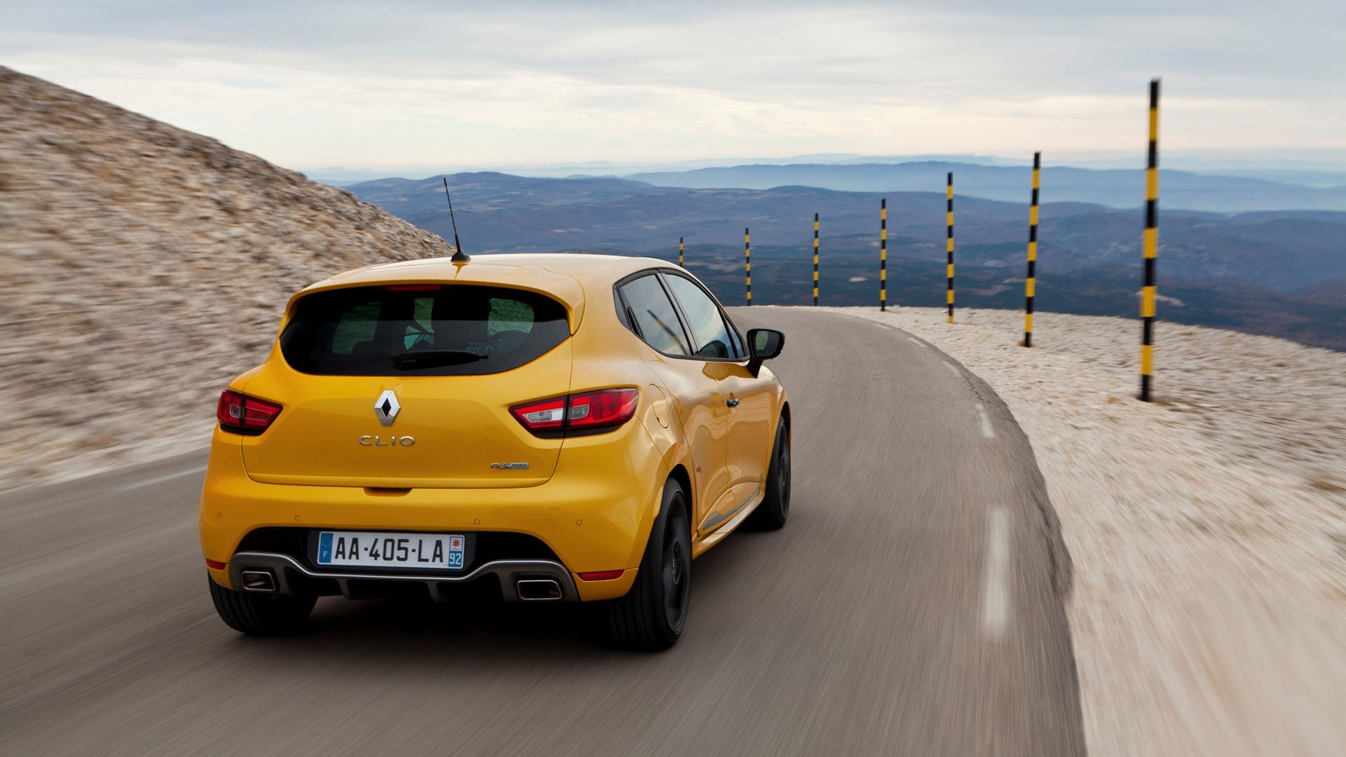 2013 Renault Clio Rs 200 Yellow Color Car Hd Wallpapers 5 1920x1080 Wallpaper Download 2013 Renault Clio Rs 200 Yellow Color Car Hd Wallpapers Auto Wallpapers V3 Wallpaper Site