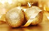 Christmas balls wallpaper (3) #1