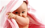 Cute Baby Wallpapers (3)