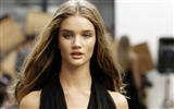 Rosie Huntington-Whiteley krásnou tapetu