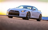 2013 Nissan GT-R R35 USA version HD wallpapers #14
